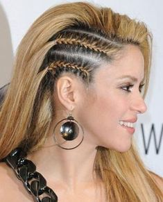 french braids alongside looking pretty, also easily keep hair out of your face. want to know how to French braid your own hair? Here is an easy 6 steps on how to French braids easily on your own hair. Cool Braid Hairstyles, Up Hairstyles, Pretty Hairstyles, Cornrow Hairstyles White, Undercut Braid, Side Undercut, Side Cornrows, Side Braids, Braids Cornrows