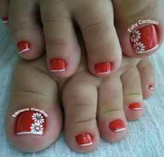 Cute red nails w/thin French tips and white daisies Pretty Toe Nails, Pretty Nail Colors, Colorful Nail Designs, Toe Nail Designs, Flower Pedicure Designs, Feet Nails, My Nails, Summer Toe Nails, French Tip Nails