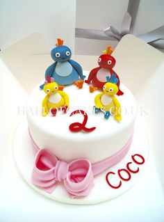 Welcome to Hall of Cakes. Award winning cake makers delivering luxury wedding and occasion cakes across London, Kent and the south east. 1st Birthday Cakes, Birthday Ideas, Luxury Wedding Cake, Wedding Cakes, Twirlywoos Cake, Cartoon Cakes, Fondant Animals, Cake Kids, Rainbow Crafts