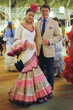 Chic Too Chic - street fashion blog. Feria in Sevilla!