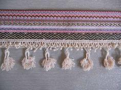 Galon Incas et pompons macramé coquille d'oeuf