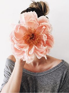 imagine a bouquet full of these large blooms. It would be extraordinary!