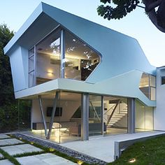 A New Sculpturalism: Contemporary Architecture from Southern California