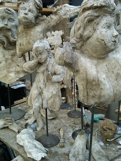 Elise Valdorcia  French master of paper mache