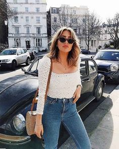 The 15 best foreign web shops from America and England – comfy travel outfit summer Outfit Jeans, Jeans Outfit Summer, Cool Summer Outfits, Spring Outfits, Paris Spring Outfit, Europe Outfits, City Outfits, Paris Outfits, Fashion Outfits