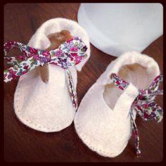 DIY baby felt slippers