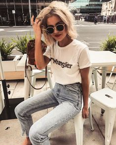"- Laura Jade Stone ( ""Morning coffee before heading off to Byron ☀️ Wearing my fav denim from Mode Outfits, Trendy Outfits, Summer Outfits, Fashion Outfits, Summer Clothes, Jeans Fashion, Fall Outfits, Mode Style, Style Me"