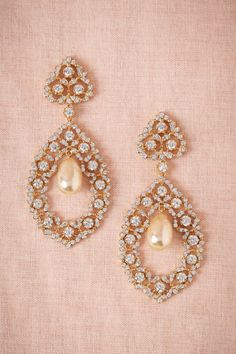 Stunning chandelier earrings by Kenneth Jay Lane - 70% off http://rstyle.me/n/wfy9vnyg6