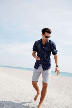 Printed shirt from Bruun & Stengade.You can find Men summer fashion and more on our website.Printed shirt from Bruun & Stengade. Outfits Nachstylen, Beach Outfits, Men's Casual Outfits, Men's Casual Fashion, Outfits For Men, Classy Mens Fashion, Fashion Boots, Fashion Outfits, Fashion Quiz