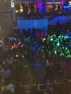 In Ibiza night club DC entire floor doing electric slide @Lockerz