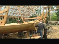 Very interesting video about how to build a longship. Especially enjoyed the description of the steam box used to bend the planks. Vikings Ks2, Vikings For Kids, Viking Longship, Norwegian Vikings, Viking Culture, Viking Life, Viking Ship, Story Of The World, Wooden Boats