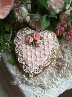 Decorated cookie, pearls