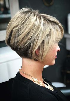 38 Stunning Hair Color Trends for Short Hair in 2018. Browse here to see some of the best trends of hair colors and short haircuts for women 2018. Just visit here and choose amazing styles of short haircuts that we have posted here especially for you to sport nowadays.