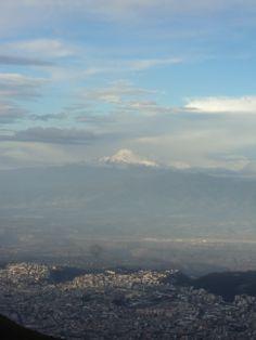 El #Cayambe visto desde el Teleférico #Quito - #Ecuador (Julio 2012)
