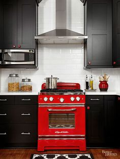 Embrace the retro trend with these ideas for how to add decor from the '40s, '50s, and '60s into your kitchen. We'll show you how to create a modern yet retro kitchen, that won't go out of style anytime soon, by adding tiles, colors, and appliances that have a unique look.