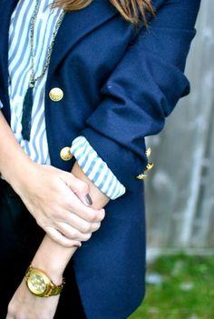 Navy blazer hot/striped shirt