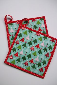 Retro Christmas Tree Quilted Pot Holders