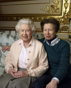 Royal Family Around the World: Remarkable new photographs of Queen Elizabeth II have been released today to mark the monarch's birthday tomorrow April) - April 2016 Royal Queen, Royal Princess, Prince And Princess, Prinz Philip, Prinz William, English Royal Family, British Royal Families, Lady Diana, Princesa Anne
