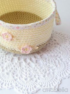 Crochet basket with tutorial