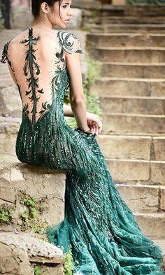 Vestidos de Alta Costura São a escolha certa para casamentos noturnos e de alto luxo! Podem ser feitos sob encomenda ou comprados nas grandes grifes mundiais.
