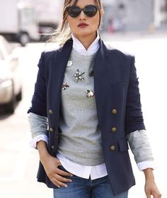blazer and tshirt outfit Fashion Mode, Ootd Fashion, Fashion Outfits, Womens Fashion, Fashion Styles, Fashion Ideas, Luxury Fashion, Blazer Fashion, Fashion Trends