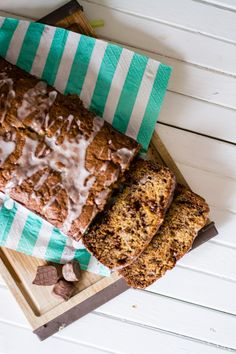 snickers banana bread (a little more fun than the regular chocolate chip version)