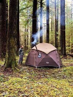 Enchanted Forest Camp (Wood Stove Tent) Coffee and Steak Video Solo cold weather camping in the Hercules Hot Tent inside the enchanted forest. This magical pacific northwest forest has many stories to tell. We hope this inspires you to go camping! Camping With Kids, Go Camping, Camping Hacks, Camping Coffee, Zelt Camping, Cold Weather Camping, Winter Camping, Camping Sauvage, Forest Camp
