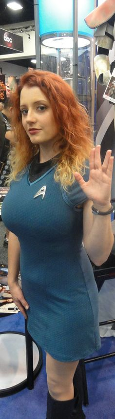 Cosplay | by Mel - Star Trek Comic Con Cosplay, Best Cosplay, Cosplay Costumes, Star Trek Rpg, Star Wars, Star Trek Uniforms, Star Trek Cosplay, Star Trek Images, Jeri Ryan