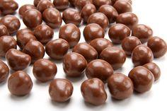 Orzeszki w czekoladzie Beans, Fruit, Vegetables, Food, Veggies, Essen, Vegetable Recipes, Beans Recipes, Yemek