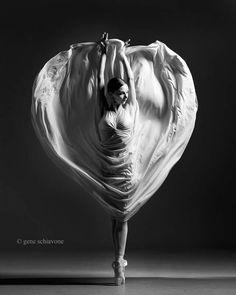 <<Jordan Elizabeth Long (Miami City Ballet) # Photo © Grne Schiavone>>