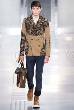 Louis Vuitton - Fall 2015 Menswear - Look 1 of 39