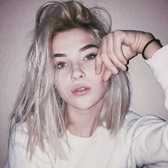 dark root blonde lob More