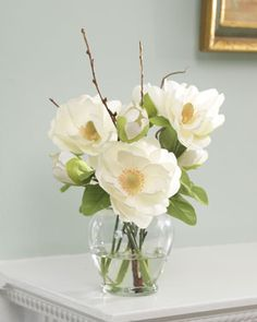 Magnolia Silk Flower Arrangement This fragrant and fragile silk magnolia flower has inspired many an Resin Flowers, Fake Flowers, Artificial Flowers, Silk Flowers, Beautiful Flowers, Artificial Floral Arrangements, Wedding Flower Arrangements, Wedding Flowers, Gerbera Wedding