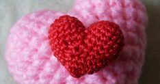 As Promised here is my heart for you :) The pattern that is, enjoy  Small Heart Hook size G with medium weight yarn will give you a heart th...