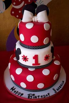 Minnie Cake - by YummyTreatsbyYane @ CakesDecor.com - cake decorating website