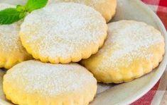 Chrumkavé mliečne sušienky, s ktorými sa vrátite do čias svojho detstva. Homemade Shortbread, Cornbread, Biscuits, Sweet Tooth, Bakery, Food And Drink, Milk, Cookies, Fruit