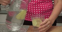 The best and easiest way to get rid of a bloated and big belly is by using sassy water. The drink is named . Remove Bloated Belly In Just 60 Seconds. Body Detox Drinks, Fat Burning Detox Drinks, Fat Burning Foods, Bebidas Detox, Diabetic Drinks, Healthy Drinks, Healthy Recipes, Drinks For Bloating, Sassy Water