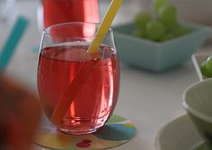 Moomin party drink, rasberry juice- Muumien juoma, vadelmamehu, Muumi-teemajuhlat