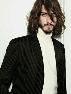 Andrés Risso for Cerini! Gorgeous Men, Beautiful People, Hair And Beard Styles, Long Hair Styles, Brown Hair Men, The Beauty Department, Long Locks, Gentleman Style, Bearded Men