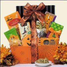 Chance to Win a Hauntingly Delicious Gourmet Halloween Gift Basket Halloween Cookies, Halloween Candy, Holidays Halloween, Halloween Treats, Halloween Decorations, Gourmet Baskets, Wine Baskets, Candy Gift Baskets, Candy Gifts