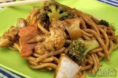 Receita de Yakissoba tradicional em receitas de massas, veja essa e outras receitas aqui!