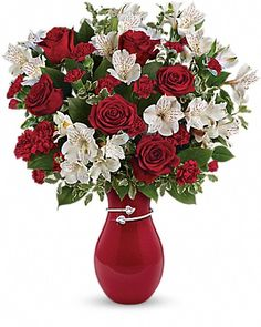 Teleflora's Pair Of Hearts Bouquet - Teleflora for Valentine's Day