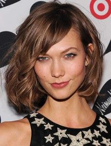wavy bob    http://www.nutierra.com/top-10-best-haircuts-for-wavy-hair-that-will-make-you-rush-to-the-salon/