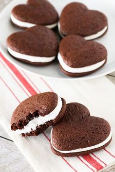 Gluten Free Vegan Whoopie Pies. Two chocolate cake-like cookies with a whipped vanilla filling. Makes your heart go pitter-patter!