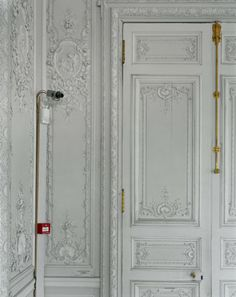 A security camera in the Grand Cabinet de Madame Victoire, taken in 2005 - Versailles - Robert Polidori