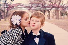 Little Kids in love  www.facebook.com/bigbangphotography