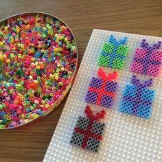 Képtalálatok a következőre: hama beads christmas Hama Beads Design, Diy Perler Beads, Hama Beads Patterns, Perler Bead Art, Beading Patterns, Christmas Perler Beads, Peler Beads, Iron Beads, Melting Beads