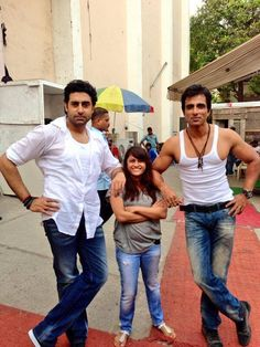 As they stand... Tall & Handsome!  #AbhishekBachchan with #SonuSood on the sets of #HappyNewYear