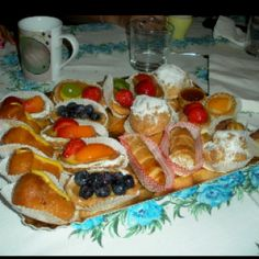 I'm now going to dream of Italian pastries at the seaside. I miss them