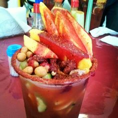 Que rico clamanga #delicioso #clamato #cacahuate #mango #picante #chile #chamoy #pepino etc *o*  - issacgabbo via Instagram Mexican Street Food, Mexican Party, Bartender, Fruit Salad, Mexican Food Recipes, Appetizers, Tasty, Party Ideas, Pots